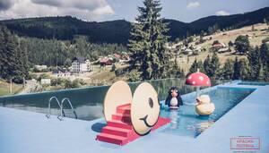 Гостиница Сімейний еко-готель «Красна Поляна» Буковель (Поляница)