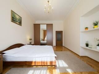Квартира По-царски большая 4-х комнатная квартира Львов, Львовская область