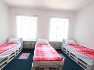 Кровать в общем 3-х местном номере