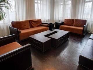 Квартира Лаконичная квартира для шести человек в стиле хай-тек Львов, Львовская область