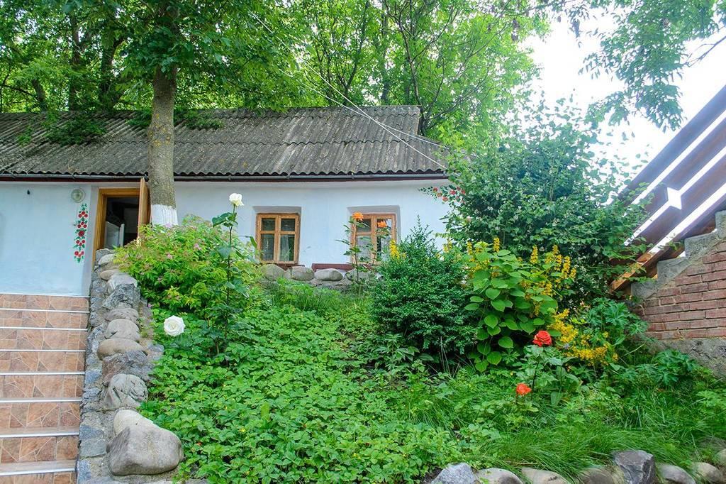 Гостинна садиба «Родинне гніздо» в селі Гармаки, Вінницька область запрошує провести незабутній корпоративний відпочинок.
