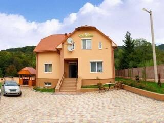 Мини-гостиница Усадьба Лисова Писня Синяк, Закарпатская область