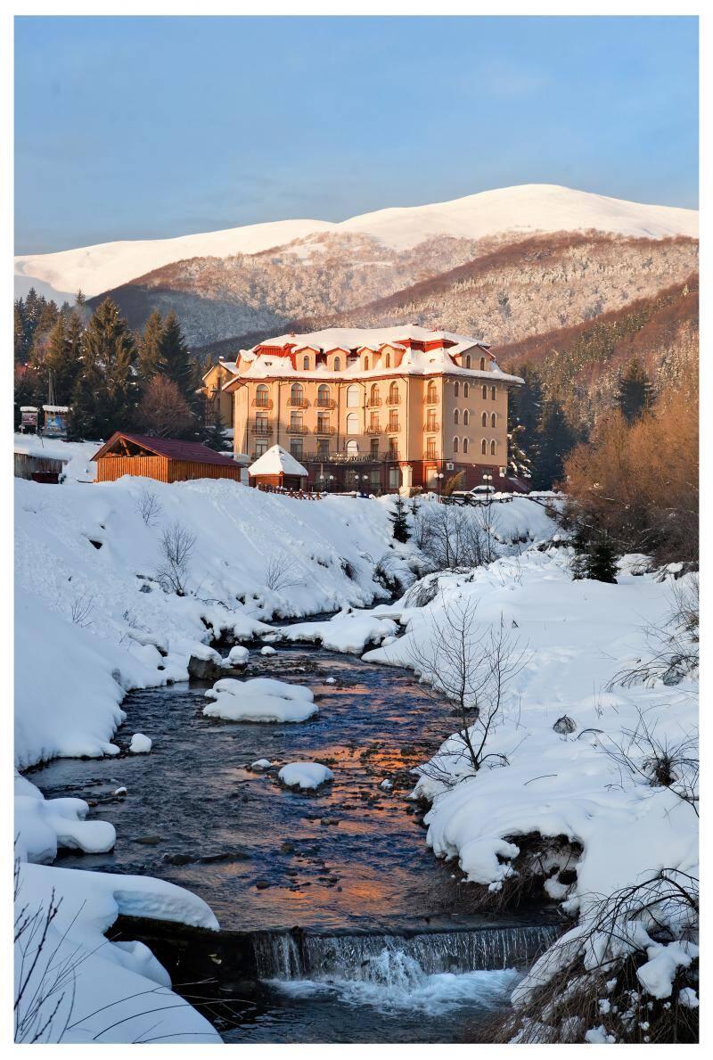 Горнолыжная зима в Карпатах до конца марта!