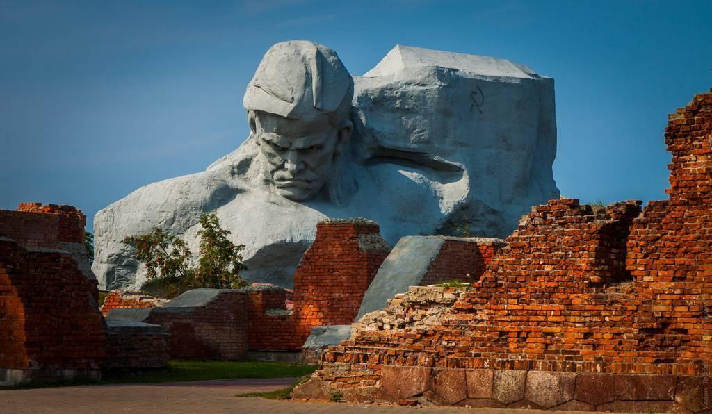 Экскурсии, туризм на Свитязе и Шацких озерах, на Брест и в Беловежскую пущу и достопримечательности Волыни