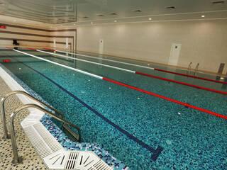 Круглогодичный крытый плавательный бассейн с морской водой уже работает.