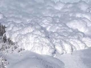 Снежная лавина в Карпатах