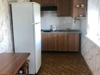Кухня двухспального номера. Красный корпус