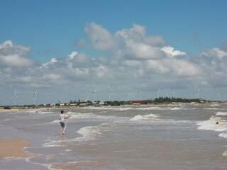 Ветряки расположенные рядом, и собственно море :)