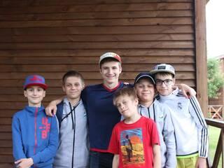 Детский лагерь МОВНИЙ літній табір « НАВКОЛО СВІТУ з КМДШ» Мила, Киевская область