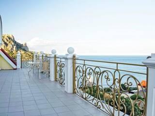 Номер с видом на море в Крыму