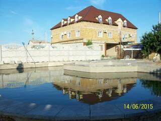 Частный сектор Жильё для отдыха в Кирилловке Кирилловка, Запорожская область