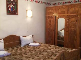 """Запрошуємо на яскравий відпочинок в гостинну садибу """"Родинне гніздо"""" в селі Канава, Вінницька область."""