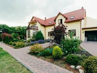 Компания Rest Life предлагает снять дом мечты в Черновцах