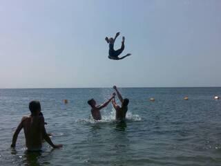Море и игры на пляже. Ждем вашего звонка. Уточните все что интересно (063)273-8999; (066)895-6662; (097)44-541-44; (044)221-6446