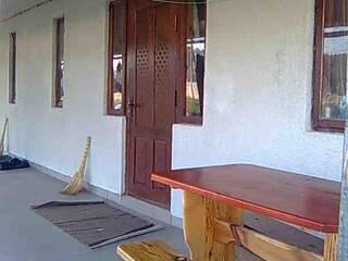 Частный сектор 8а Свитязь 2 одинаковых дома, в каждом 2 комнаты, кухня, санузел Свитязь, Волынская область