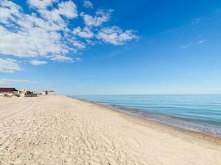 Какие пляжи на Каролино-Бугазе?