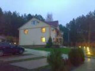 Гостиница Лесной отель для инвалидов Гута Грин Лютеж, Киевская область