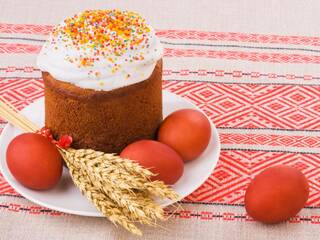 Гостинні садиби «Родинне гніздо» запрошують відсвяткувати Великодні свята в селі!