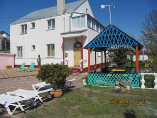 Частный сектор Семейный Уют. Комнаты и домики. Возле моря. Вапнярка, Одесская область