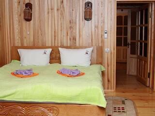 Пропонуємо для комфортного відпочинку номер люкс «Княжий» (чотирьохмісний).