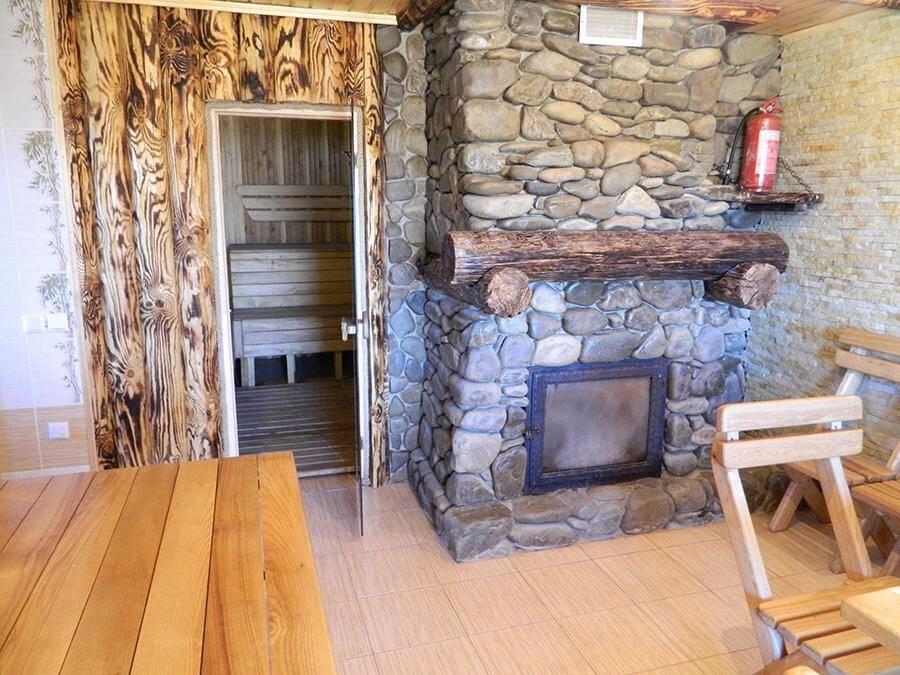 Лазня на дровах в селі Губник - відмінне місце для відпочинку та відновлення сил.