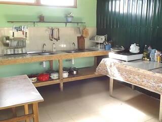 кухня  для четырех комнат улучшенный стандарт