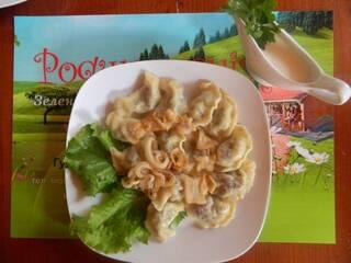 Гостинна садиба «Родинне гніздо» запрошує скуштувати смачні домашні страви, які приготовані з екологічно чистих продуктів.