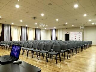 Що варто врахувати при пошуку конференц-залу?