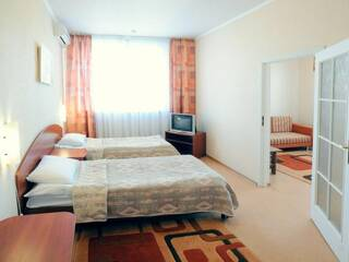 Двухместный улучшенный номер (раздельные кровати, 2 комнаты)
