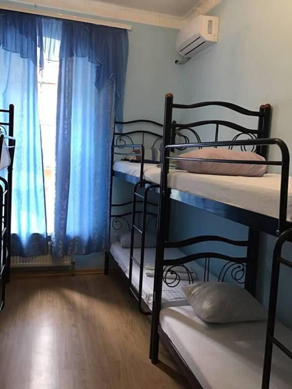 Мужская обитель - Life Hostel