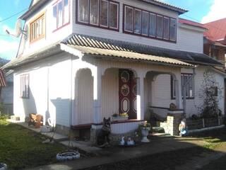 Частный сектор Двухэтажный отдельный дом на 4 комнаты Микуличин, Ивано-Франковская область