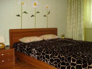 Частный сектор Уютная 2-х-комнатная квартира в центре города Бердянск, Запорожская область