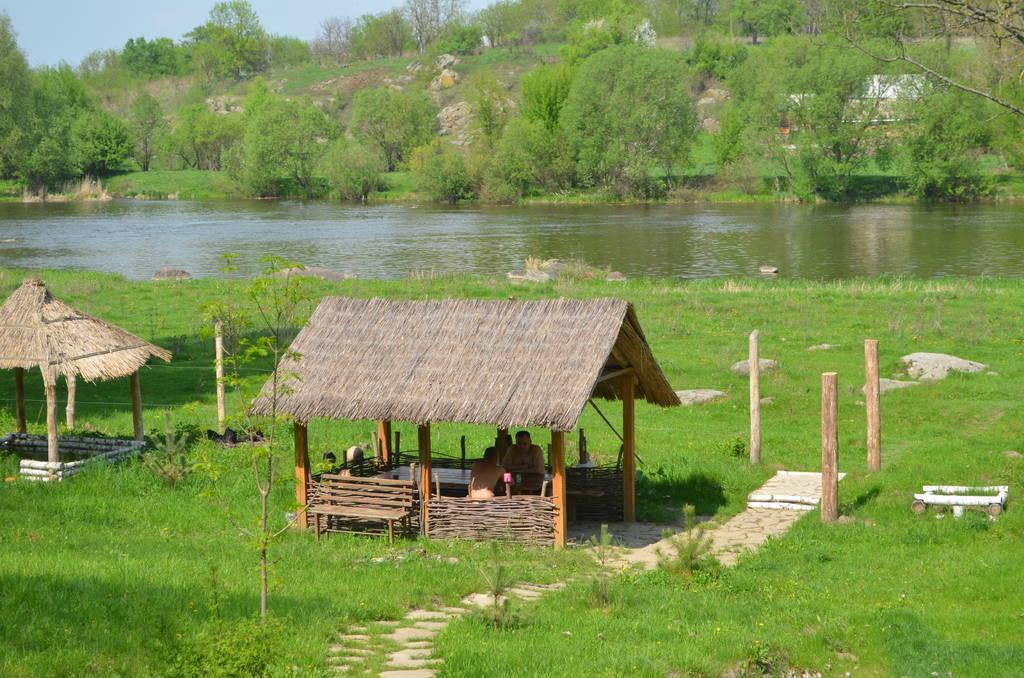 Гостинна садиба «Родинне гніздо» запрошує всіх бажаючих на відпочинок в село Канава, Вінницька область.