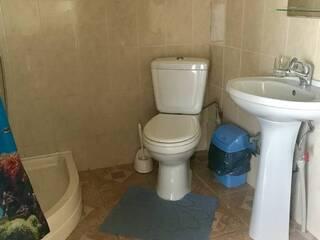 Туалетная комната двухкомнатного номера. Красный корпус