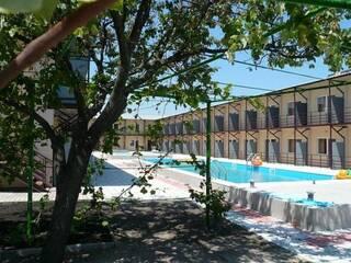 Гостиница Наша Дача- 2 Белосарайская коса, Донецкая область