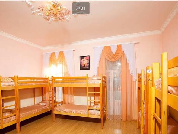 Общая комната с балконом - Life Hostel