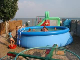 Вилла Грот - детский городок, бассейн
