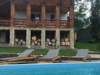 Відпочинок в жовтні в гостинній садибі «Родинне гніздо» в селі Гармаки, Вінницька область.