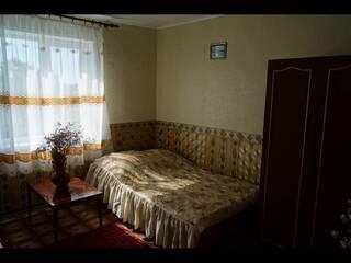 комната (удобства на этаже)