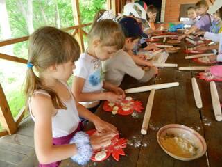 Гостинна садиба «Родинне гніздо» в селі Канава, Вінницька область пропонує організацію та проведення цікавих майстер-класів для дітей та дорослих.
