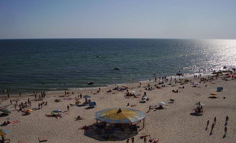 Пляж в лазурному 51