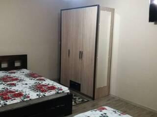 Квартира Квартира подобово здам-сдам посуточно однокімнатна біля спорткомплекса з термальними байсенами, Берегово