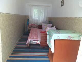 У Виктора и Людмилы 3-х местный номер для семьи с маленьким ребенком